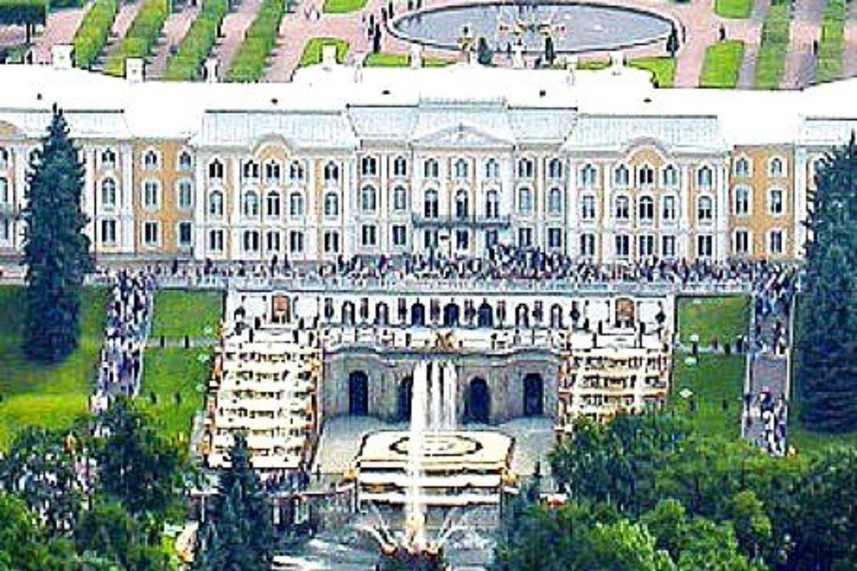Letenky do Petrohradu v zimnom aj v letnom období